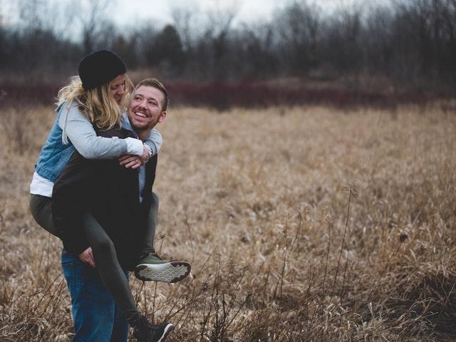 Choosing Between Singlehood and Marriage